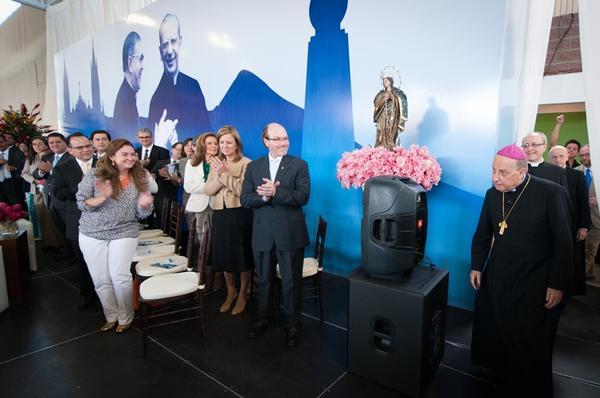 Galería de fotos de la visita del Prelado del Opus Dei a El Salvador
