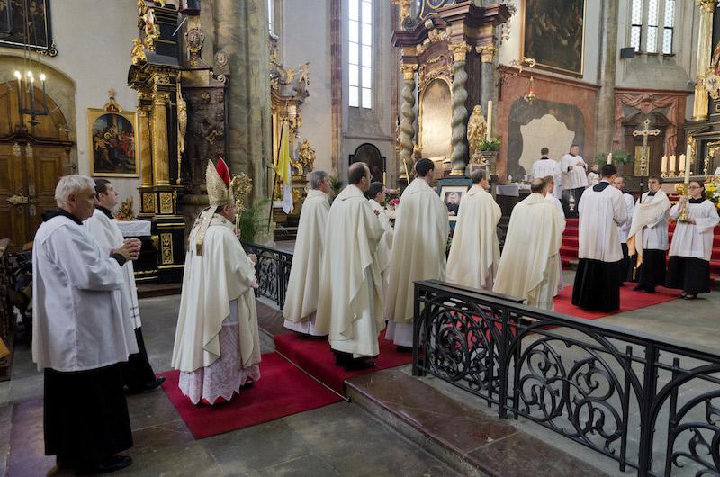 V Praze a Brně se sloužily mše ke cti svatého J. Escrivá de Balaguer