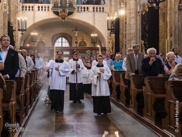 Výroční mše ke cti svatého Josemaríi Escrivá de Balaguer v Praze