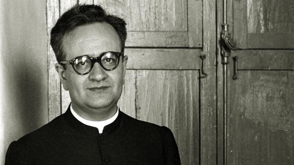 Un prêtre ouvert au monde