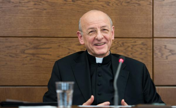 Папа Франциск призначив прелатом Opus Dei Монс. Фернандо Окаріса
