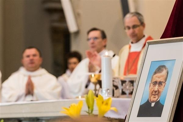 Kvietimas dalyvauti šv. Mišiose Opus Dei steigėjo liturginės šventės proga