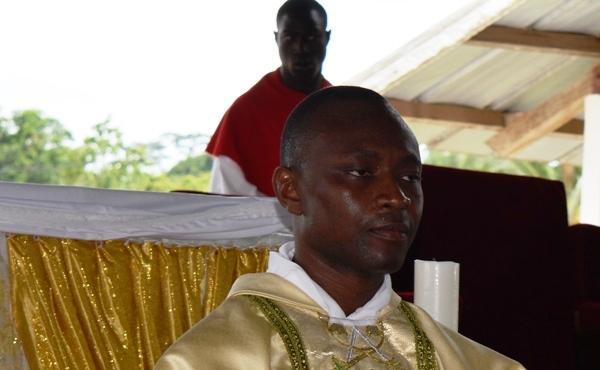 Opus Dei - La Messe solennelle de l'abbé Koffi