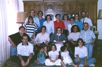 Con sus hijos y nietos.