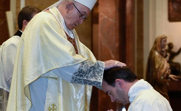 Opus Dei - Mgr. Carrasco: «Het dienstwerk is jullie nieuwe identiteit»