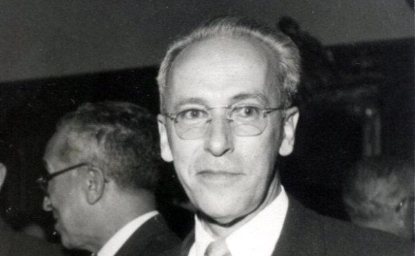 Opus Dei - Ernesto Cofiño conoce a san Josemaría