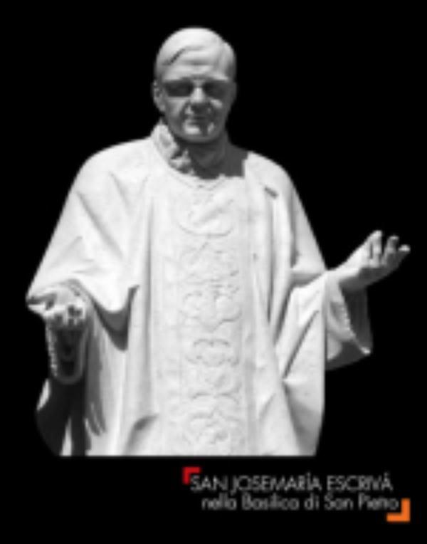 """""""San Josemaría en la Basílica de San Pedro"""": la estatua, en un libro"""
