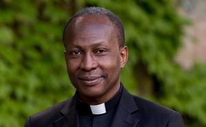 Le nouveau prêtre de l'Opus Dei Odon Swamotz, célèbre sa première messe solennelle