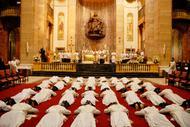 O Prelado do Opus Dei confire a orde sacerdotal a dous galegos en Roma
