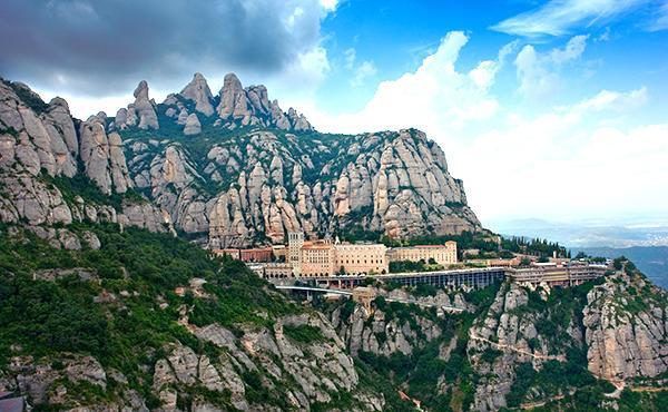Missa solemne a Montserrat en la festa del beat Àlvar
