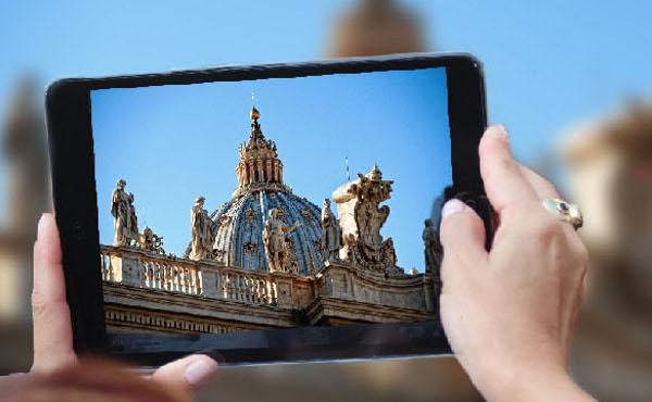 300 Church Communications Experts Meet in Rome