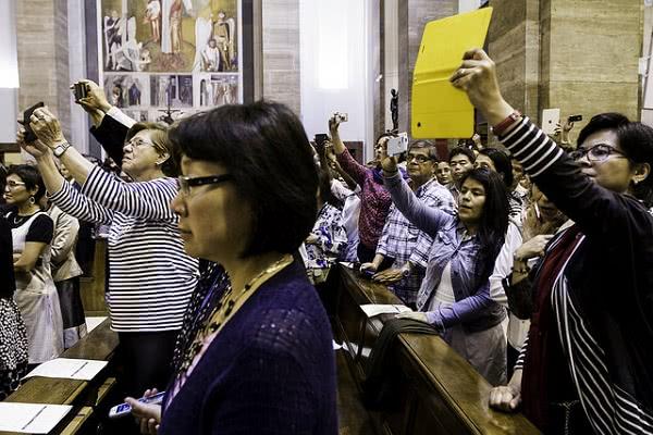 Opus Dei - La oración colecta de la misa del beato Álvaro, en diversos idiomas