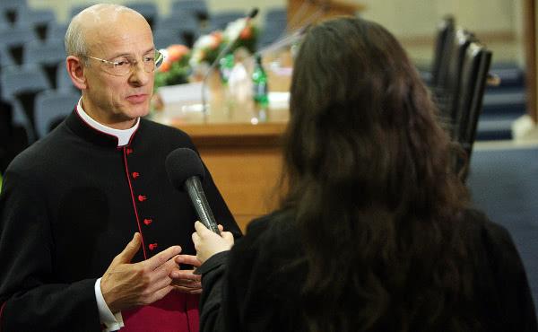 Opus Dei - Монс. Окарис: «Новая динамика в  пастырском попечении о семьях»