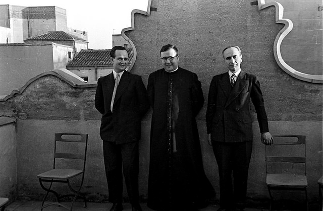 Opus Dei - Tudo começou com um martelo e pregos