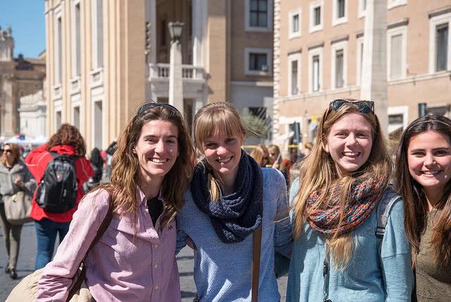 Opus Dei - La Chiesa al femminile: un incontro a Lugano
