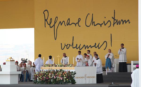 """Opus Dei - Papa Francesc: """"El beat Álvaro del Portillo ens envia un missatge molt clar, ens diu que ens refiem del Senyor"""""""
