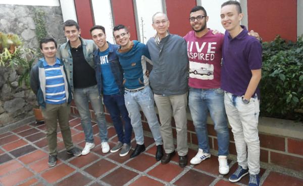 """Opus Dei - Manizales y Pereira: """"voluntarios con el papa"""""""