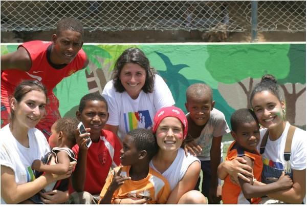15 dias de 60 universitárias portuguesas em Cabo Verde