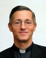 Don Bernardo Estrada, profesor de la Universidad Pontificia de la Santa Cruz.