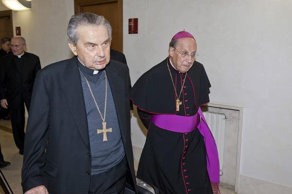 El Card. Cafarra y Mons. Javier Echevarría
