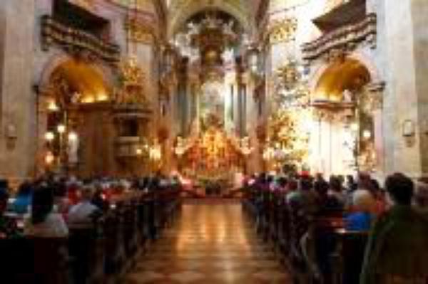 """Ausstellung """"50 Jahre Opus Dei in Österreich"""" eröffnet"""