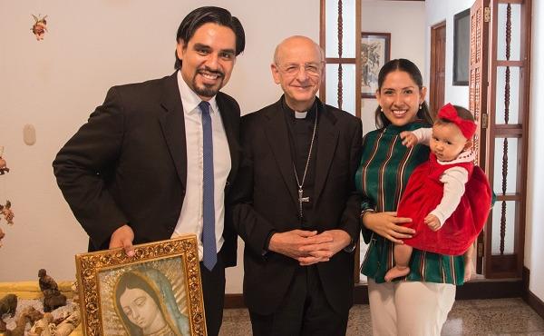 Opus Dei - Mons. Ocáriz: «En la Eucaristía encontrarás la fuerza para perdonar»
