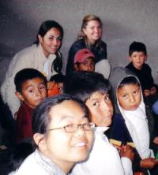 Jóvenes canadienses cooperan en México