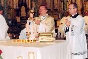 Mgr Ventura, le nonce apostolique en la basilique Notre-Dame d'Ottawa