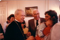 Bishop Alvaro del Portillo with Canadian families in Montreal in 1988