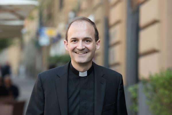 Opus Dei - Docteur en Génie Mécanique du Canada ordonné prêtre (2)