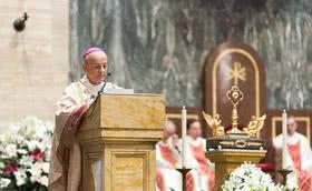 在2018年圣施礼华瞻礼日在罗马和其他国家的感恩祭