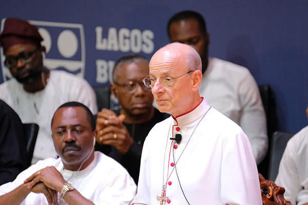 Opus Dei - The Prelate in Nigeria: Love for God, not age, makes us mature