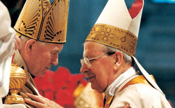 Johannes Paul II og Johannes XXIII helgenkåres. Alvaro del Portillo saligkåres