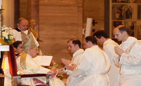 Ordinazioni sacerdotali: l'omelia di mons. Echevarría