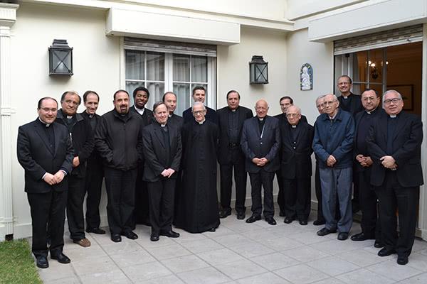 Opus Dei - Cardenal Ezzati bendijo casa de formación para sacerdotes