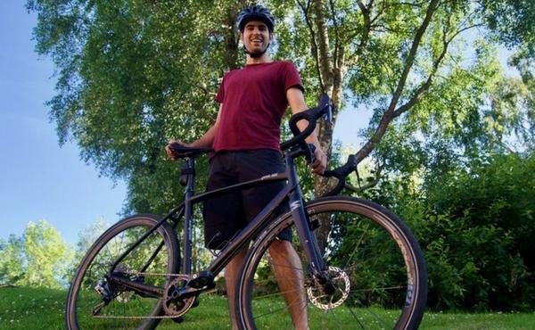 2.600 quilòmetres en bici per l'ebola