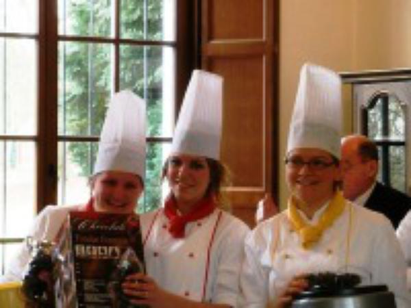 Chocolade brengt jongeren samen in Dongelberg!