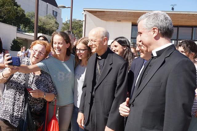 Opus Dei - O Prelado do Opus Dei chega a Portugal