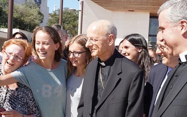Laics i sacerdots