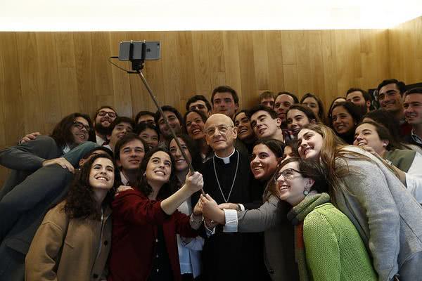 Opus Dei sosiaalisessa mediassa