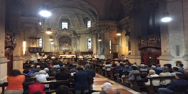 Opus Dei - Mgr Lazzeri à la fête de saint Josémaria: Laissons Jésus entrer aussi dans notre vie