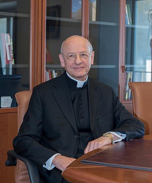 Папа Франциск назначи монс. Фернандо Окарис за прелат на Опус Деи