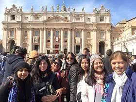 Desde Perú a Suecia y desde ahí a Roma