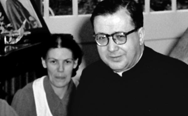 Opus Dei - Dora del Hoyo e São Josemaria