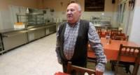 Luis Torres, presidente de la Asociación Gijonesa de Caridad, en el comedor de la Cocina Económica. Foto: ÁLEX PIÑA (El Comercio)
