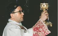 São Josemaria manifestava em muitos pormenores o seu amor por Jesus sacramentado