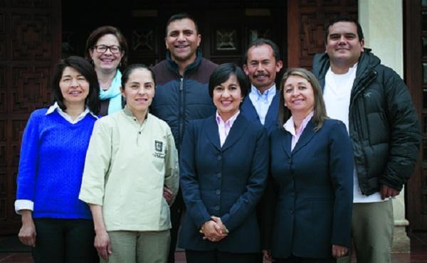 Universidad de La Sabana invita a ocho auxiliares y técnicos a la Beatificación