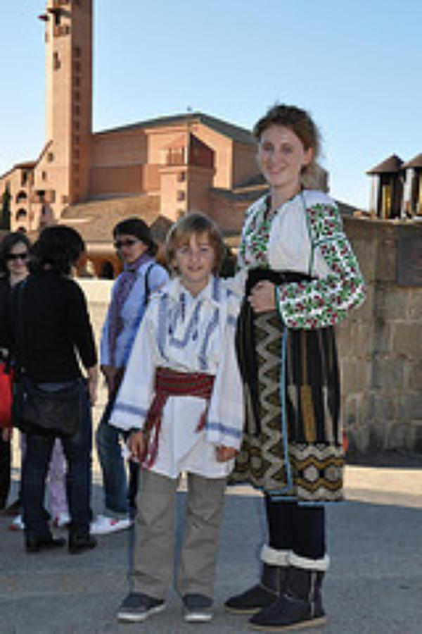Românii din Spania, pelerini la Torreciudad.