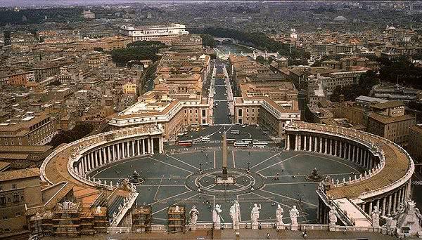 Opus Dei - Plac Świętego Piotra: ramiona otwarte dla ludzkości