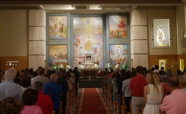 Opus Dei - El arzobispo de Valencia preside una Misa solemne de acción de gracias por el 90 aniversario del Opus Dei